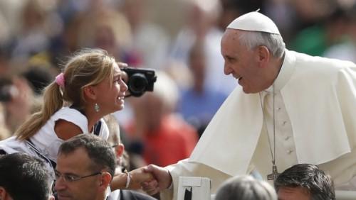 教宗在週三接見中籲請衆人維護生命,為生命服務